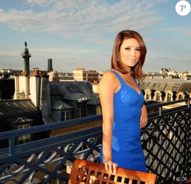Eva Longoria sur la terrasse, à l'occasion de l'inauguration de la Suite Prestige du Park Hyatt Paris-Vendôme, le 3 juillet 2009 !