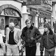 Charles Gérard avec Jean-Paul Belmondo et son fils Paul en février 1977 à Paris.