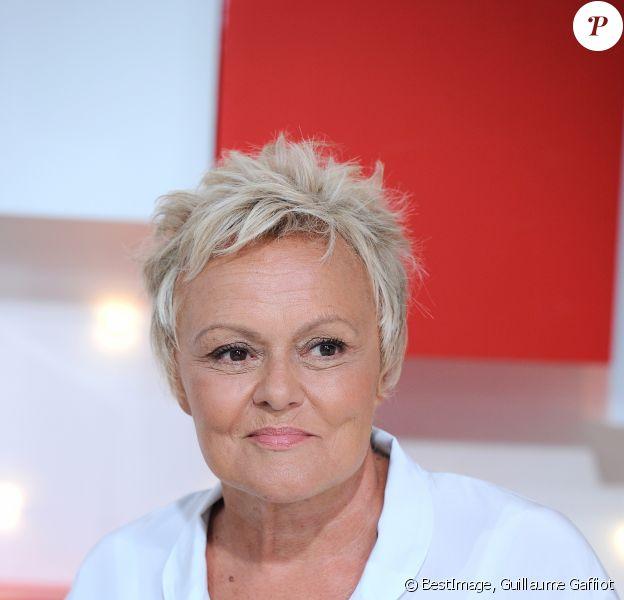"""Exclusif - Muriel Robin - Enregistrement de l'émission """"Vivement Dimanche"""" au studio Gabriel à Paris, France, le 21 août 2019 . Diffusion le 25/08/2019 sur France 2. © Guillaume Gaffiot/Bestimage"""
