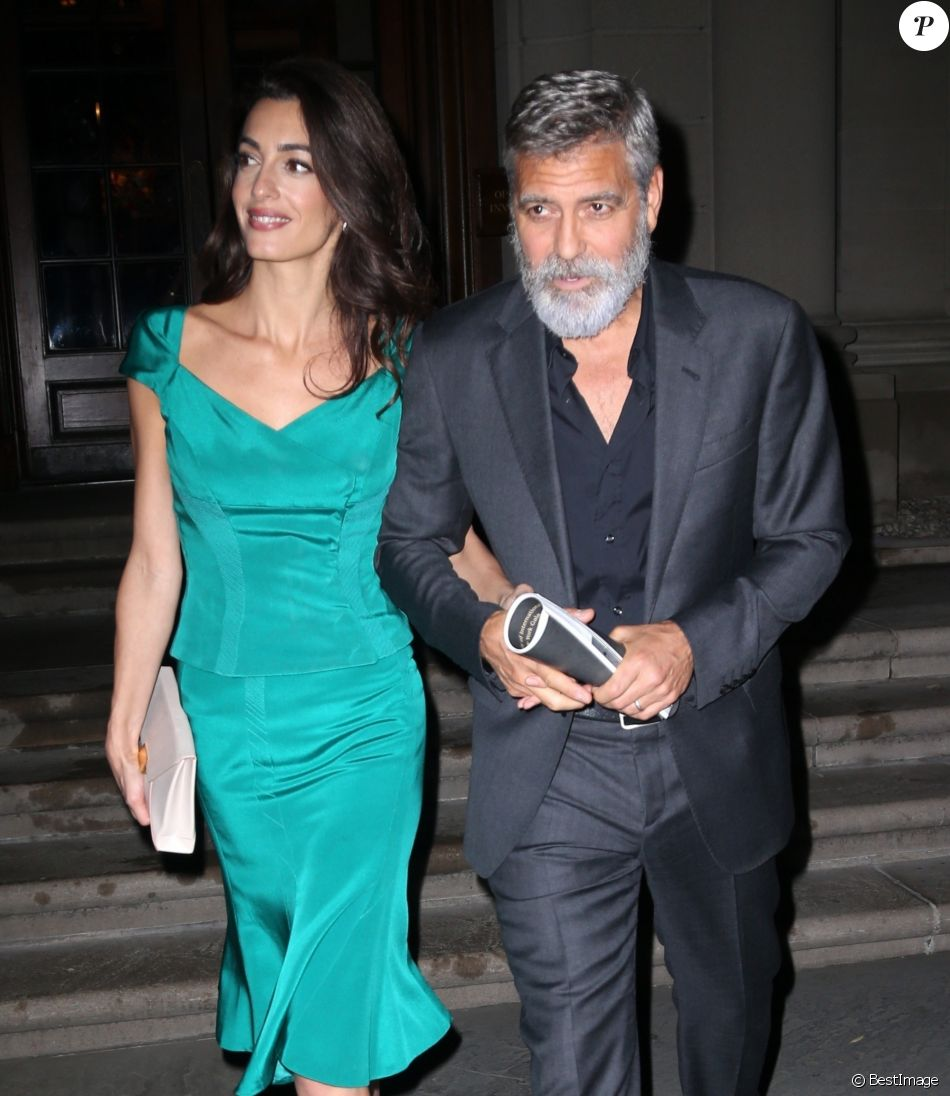 George Clooney et sa femme Amal Alamuddin Clooney à la sortie de la soirée caritative International Law benefit à The Frick Collection à New York, le 1er octobre 2019
