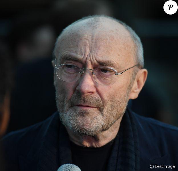 """Phil Collins au photocall de la soirée de gala """"Dreaming on the Beach"""" à Miami, le 15 novembre 2018."""