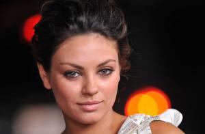 La sexy Mila Kunis entièrement nue... pour sa scène d'amour torride ! Regardez !