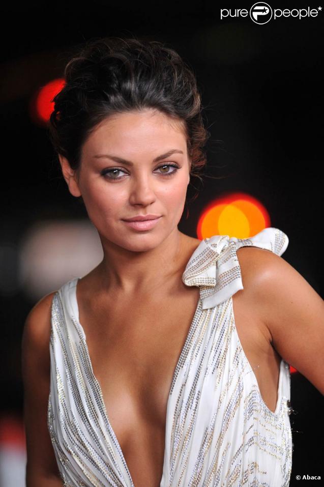 Mila Kunis, très belle sur tapis rouge !