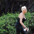 Exclusif - Brigitte Nielsen, son mari et leur fille passent la journée au parc en famille accompagnés de leur petit chien à Los Angeles, le 2 octobre 2019