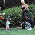 Exclusif - Brigitte Nielsen, son mari Mattia Dessi et leur fille Frida Dessi passent la journée au parc en famille accompagnés de leur petit chien à L.A., le 2 octobre 2019.