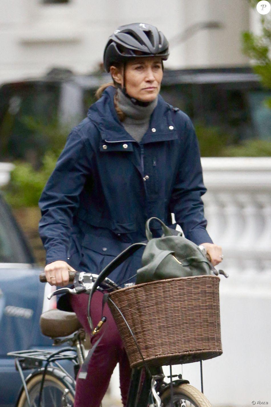 Pippa Middleton en vélo à Londres le 16 octobre 2019