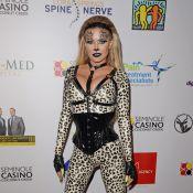 Halloween 2019 : Carmen Electra, sexy en léopard des neiges