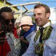 Le président de la République Emmanuel Macron visite la ville de Hamjago à Mayotte pour une rencontre avec la population le 22 octobre 2019. © Stéphane Lemouton / bestimage