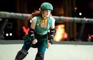 Drew Barrymore et Ellen Page s'affrontent... en rollergirls sexy et délirantes ! Regardez !