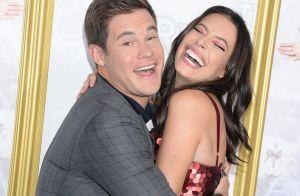 Adam DeVine (Modern Family) fiancé : Chloe Bridges a dit