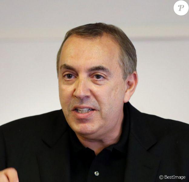 Jean-Marc Morandini fait une déclaration à la presse dans un salon de l'hôtel Radisson à Boulogne-Billancourt, le 19 juillet 2016, dénonçant un complot...