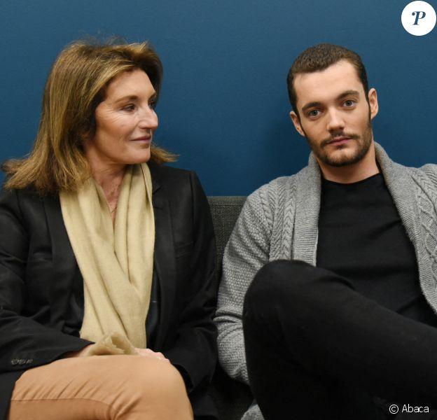 Cécilia Attias et son fils Louis Sarkozy à Paris le 29 octobre 2019.