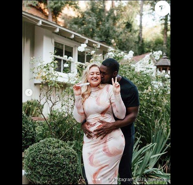 Iskra Lawrence est enceinte ! La compagne de Philip Payne attend leur premier enfant. Novembre 2019.