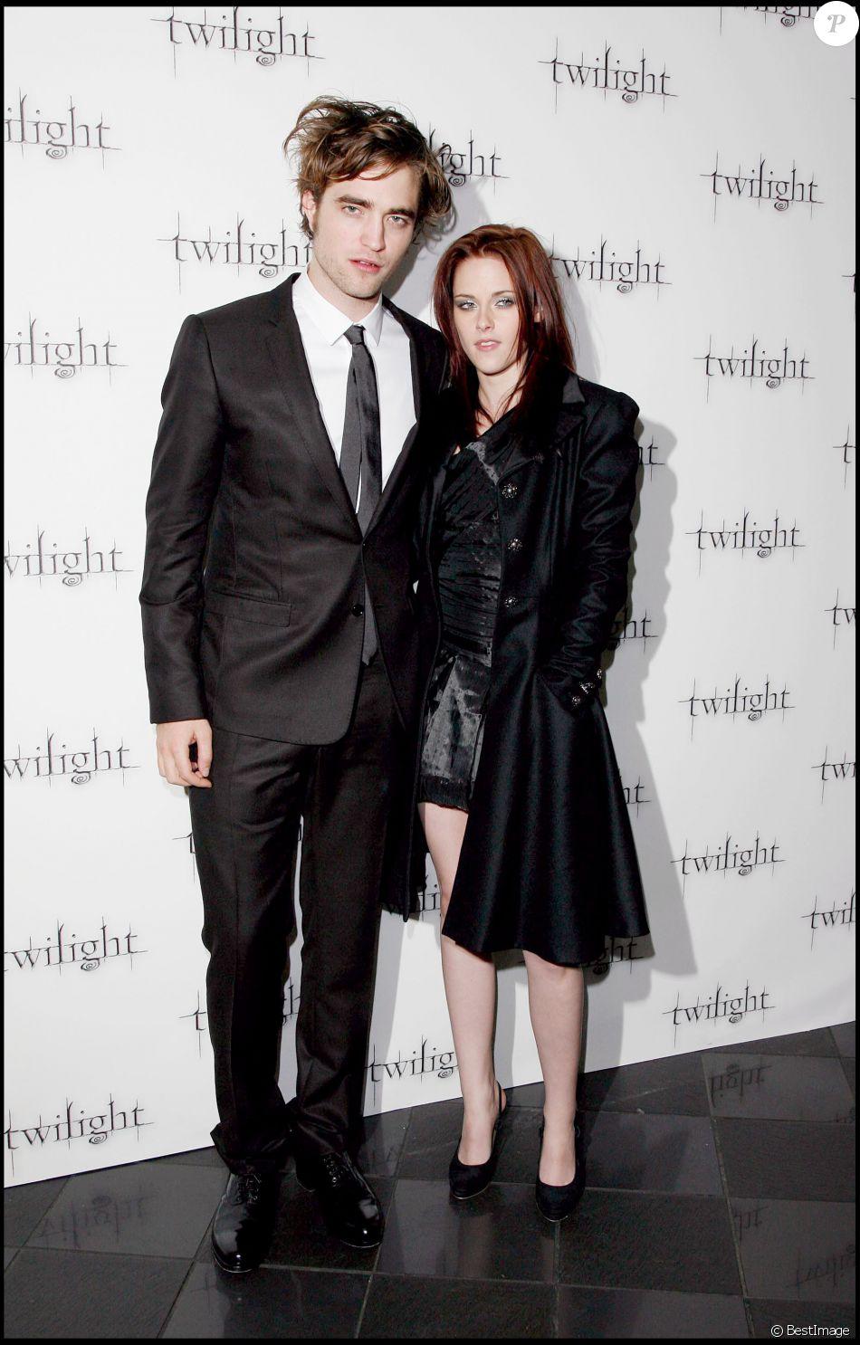 Kristen Stewart et Robert Pattinson - Première du film Twilight au Vue West End sur Leicester Square à Londres