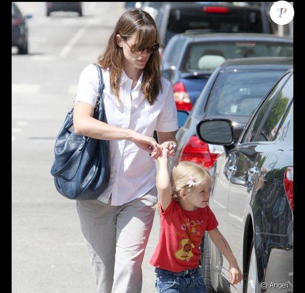 Jennifer Garner et sa grande fille Violet à Los Angeles. 19/07/09