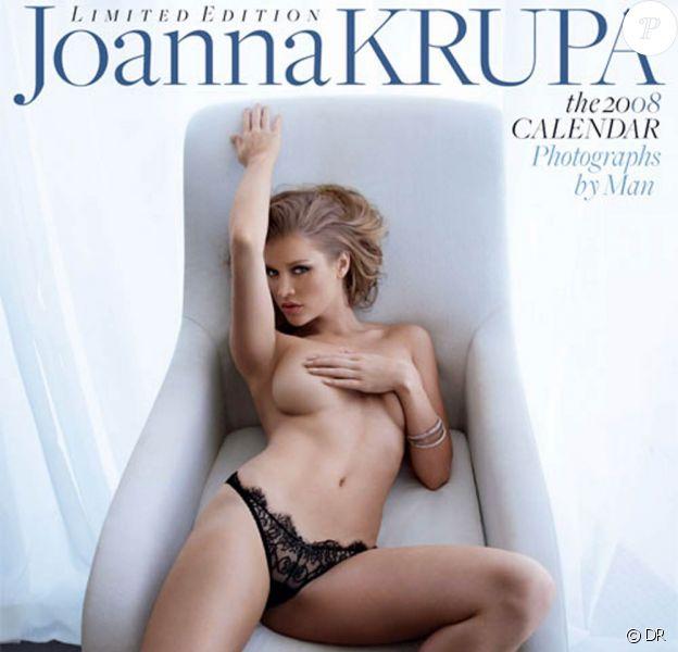 La belle Joanna Krupa en couverture de son calendrier 2008 !