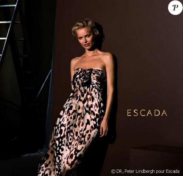 Eva Herzigova pour Escada