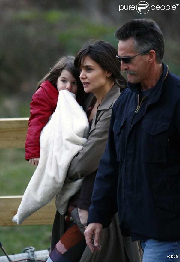 """Katie Holmes et sa fille Suri Cruise sont sur le tournage de Don't Be Afraid of the Dark"""", en Australie le 21 juillet 2009"""