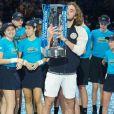 Le Grec Stefanos Tsitsipas remporte la finale du Masters de tennis de Londres, le 17 novembre 2019, en battant l'Autrichien Dominic Thiem 6-7, 6-2, 7-6.