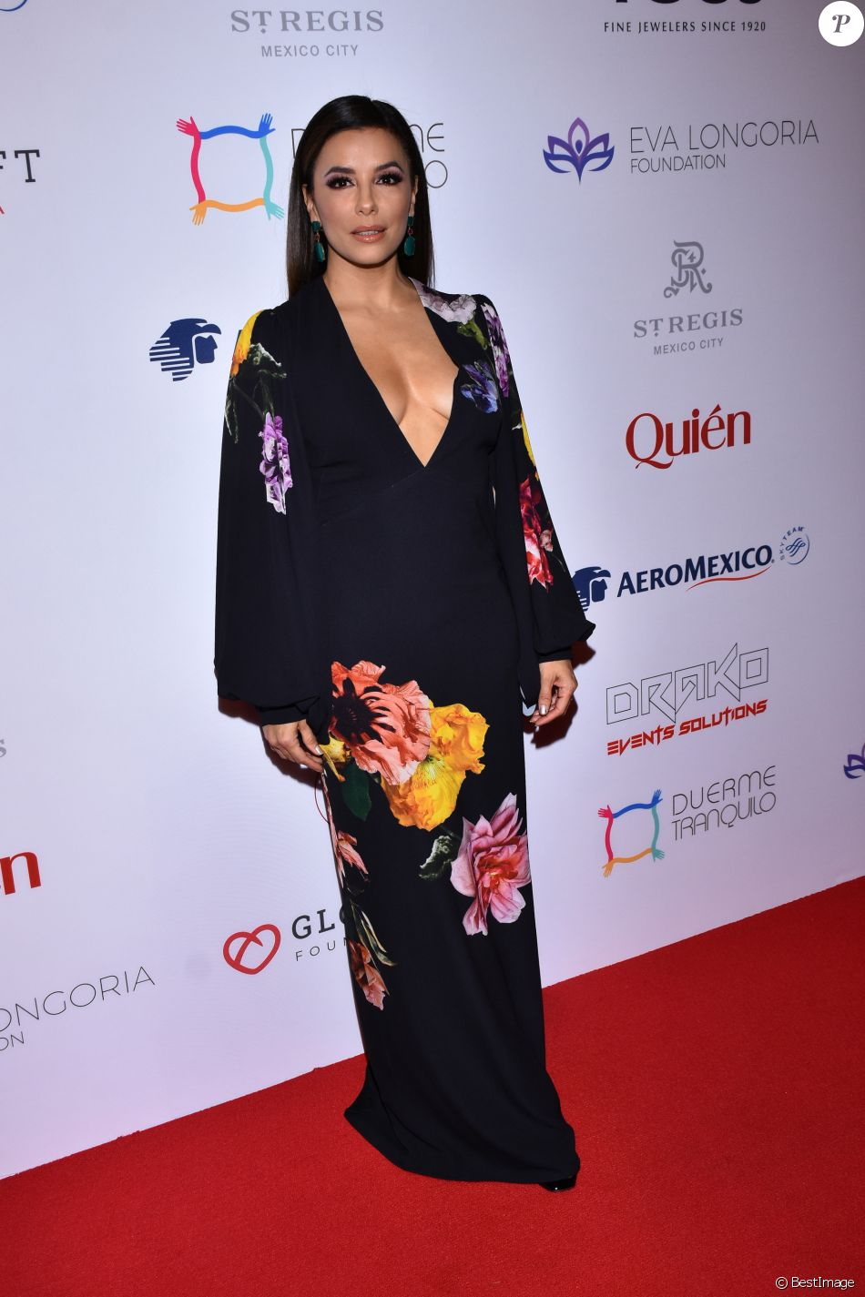 Eva Longoria assiste à la 5e soirée caritative Global Gift Gala, à l'hôtel St Regis à Mexico, le 19 novembre 2019.