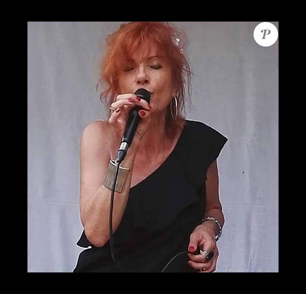 La chanteuse Sora, soeur de Francis Cabrel, sort son premier album