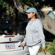 Exclusif - Christina Milian enceinte devant son Beignet Box truck dans le quartier de Studio City à Los Angeles le 24 novembre 2019.