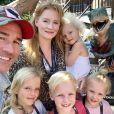 James Van Der Beek, son épouse Kimberly et leurs enfants Olivia, Annabel, Emilia et Joshua. Instagram. Le 18 septembre 2019.