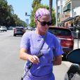 Katy Perry en total look mauve et mules en balade dans les rues de Los Angeles, le 3 septembre 2019
