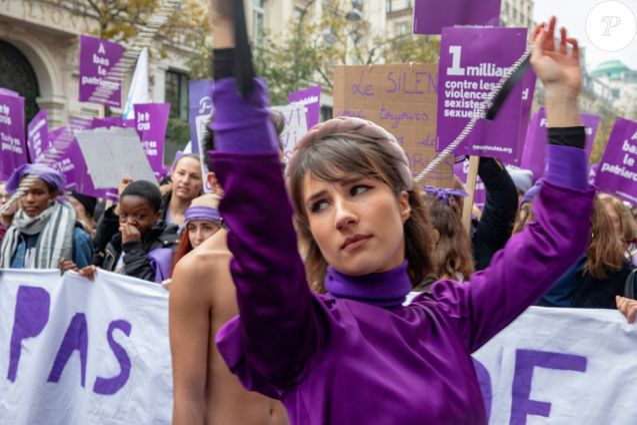 Marie s'infiltre - Marche contre les violences sexistes et sexuelles (marche organisée par le collectif NousToutes) de place de l'Opéra jusqu'à la place de la Nation à Paris le 23 novembre 2019.