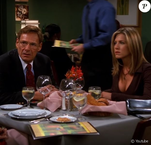 """Ron Leibman dans la série """"Friends"""" avec Jennifer Aniston (Saison 8 épisode 8)."""