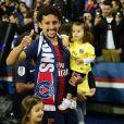 Marquinhos avec sa femme Carol Cabrino et leur fille Maria - Le PSG célèbre son titre de Champion de France 2019 au Parc ders Princes à Paris, le 18 mai 2019.