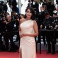"Leïla Bekhti - Montée des marches du film ""A Hidden Life"" lors du 72ème Festival International du Film de Cannes. Le 19 mai 2019 © Borde / Bestimage"