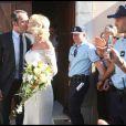 Alexandra Lamy et Jean Dujardin à leur mariage, le 25 juillet 2009.