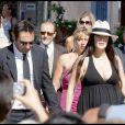 Gilles Lellouche et Mélanie Doutey, enceinte, au mariage d'Alexandra Lamy et Jean Dujardin, le 25 juillet 2009.