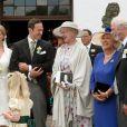 Le prince Christian de Schaumburg-Lippe a épousé Lena, près de Hambourg, le 25 juillet 2009. Les mariés, ici, avec la reine Margrethe II de Danemark et les parents du marié, le prince et la princesse de Schaumburg-Lippe..