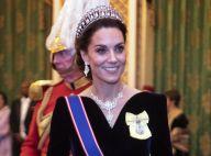 Kate Middleton parée de diamants : tiare et collier XL sur robe de velours