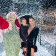 Kourtney Kardashian et son fils Reign à la fête de Noël familiale le 24 décembre 2018.