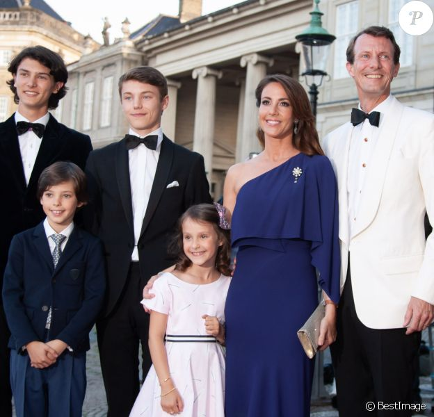 Le prince Joachim de Danemark, la princesse Marie de Danemark, le prince Nikolai de Danemark, le prince Felix de Danemark, le prince Henrik de Danemark, la princesse Athena de Danemark - Célébration du 50ème anniversaire du prince J. de Danemark, dîner organisé par la reine M.II de Danemark au chateau Amalienborg, Copenhague, le 7 juin 2019.
