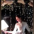 Laury Thilleman en robe Delphine Manivet pour son mariage avec Juan Arbelaez, en Bretagne, le 21 décembre 2019.
