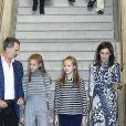 Le roi Felipe VI d'Espagne, la reine Letizia et leurs filles l'infante Sofia et la princesse Leonor des Asturies le 5 novembre 2019 au 10e jubilé de la fondation Princesse de Gérone à Barcelone.