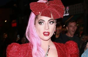 Lady Gaga : Baisers passionnés avec un inconnu pour la nouvelle année