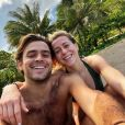 """Candice et Jérémy de """"Koh-Lanta"""" en amoureux à Tahiti pour les 30 ans du jeune homme, le 6 janvier 2019"""