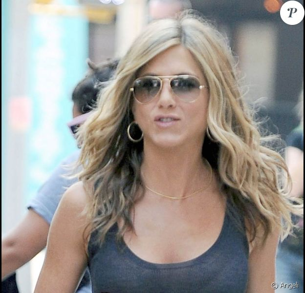 Jennifer Aniston sur le tournage de Bounty Hunter, dans le quartier de Harlem, à New York, le 3 août 2009 !