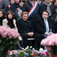 Najat Vallaud-Belkacem, Marisol Touraine, Johnny Hallyday, Joël Mergui, Dalil Boubakeur - Hommage rendu aux victimes des attentats de janvier et de novembre 2015, place de la République à Paris, le 10 janvier 2016.