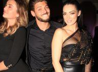 Rayane Bensetti tout sourire avec Émilie Nef Naf en transparence pour dîner