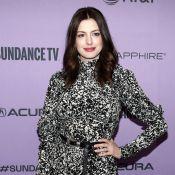 Anne Hathaway : Santiags et chapeau de cow-boy, la jeune maman surprend