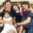 Milla Jovovich, enceinte, son mari Paul W.S. Anderson et leurs filles Ever Gabo et Dashiel Edan. Janvier 2020.
