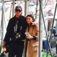 Exclusif - Zendaya et son compagnon Jacob Elordi font du shopping, s'embrassent, prennent des selfies et font un doigt d'honneur aux photographes à New York, le 3 février 2020.