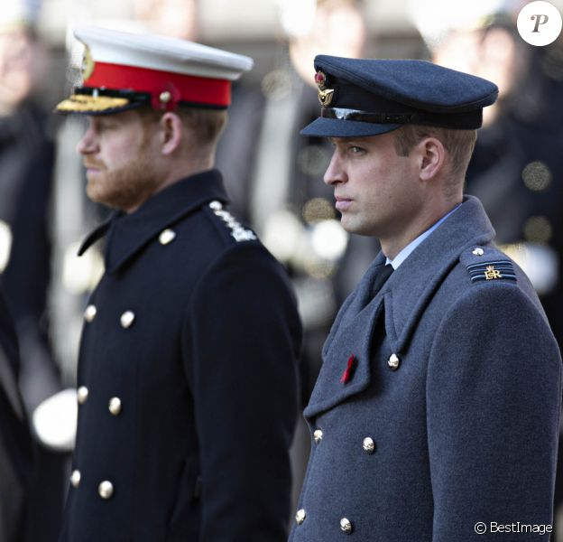 Le prince Harry, duc de Sussex, le prince William, duc de Cambridge - La famille royale d'Angleterre lors du National Service of Remembrance à Londres le 10 novembre 2019.