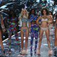 Lorena Rae, Duckie Thot, Frida Aasen, Leomie Anderson, Alanna Arrington et Kelly Gale lors du défilé Victoria's Secret au Pier 94 à New York City, le 8 novembre 2018. © Morgan Dessalles/Bestimage